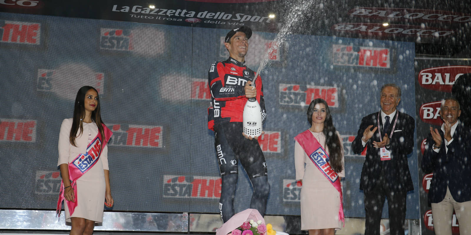 2015 giro d'italia bmc racing champagne spray podium win celebration victory philippe gilbert