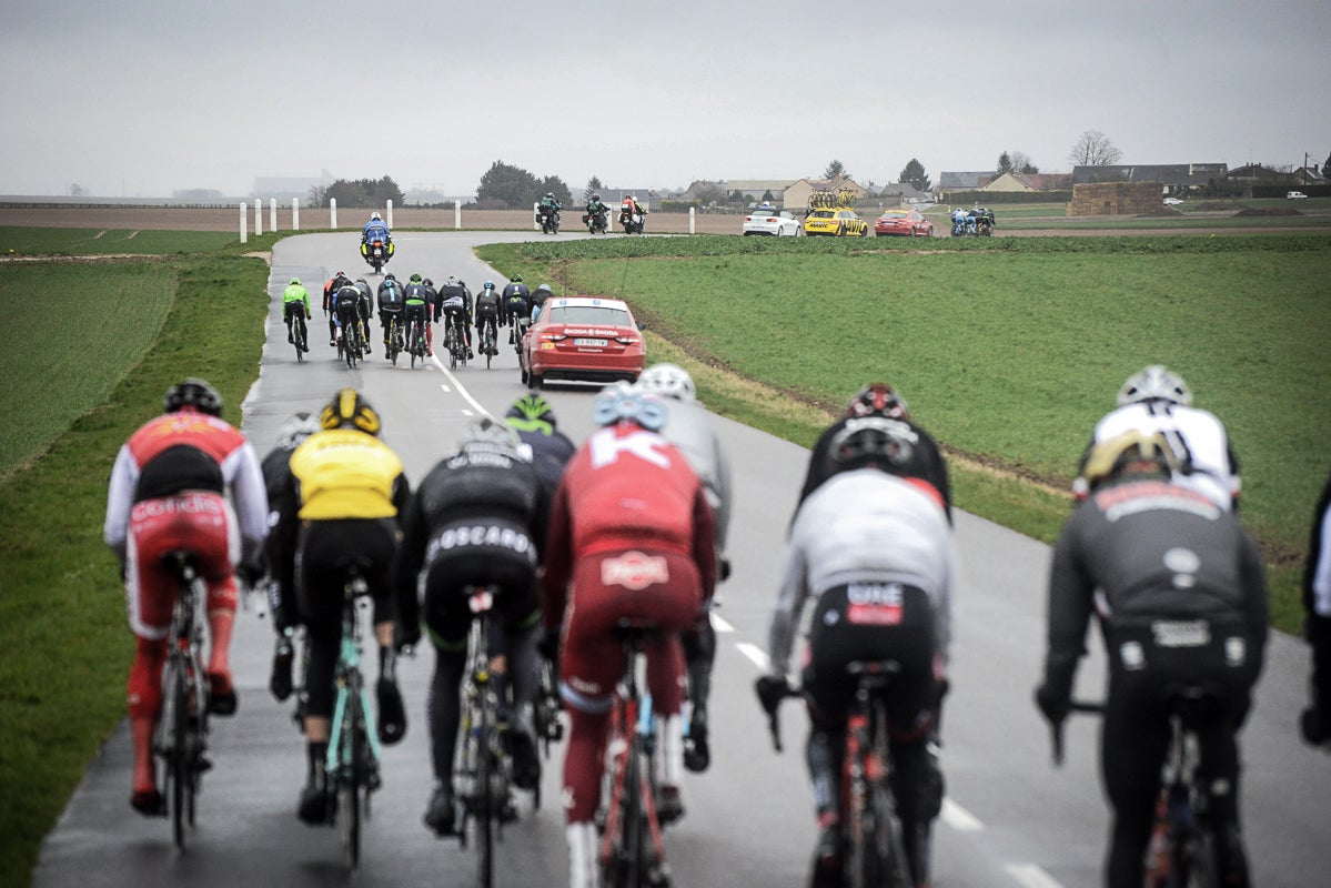 Cold, wet and windy weather split the Paris-Nice field into multiple echelons.