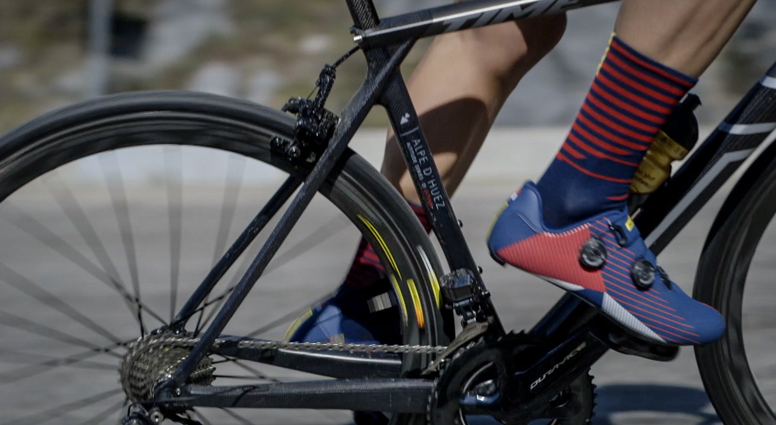 405da1858ed PELOTON Magazine heads to the famous Alpe d'Huez climb to test the latest  from Mavic, new Cosmic Pro Carbon SL UST wheels. They debut a new rim brake  track ...